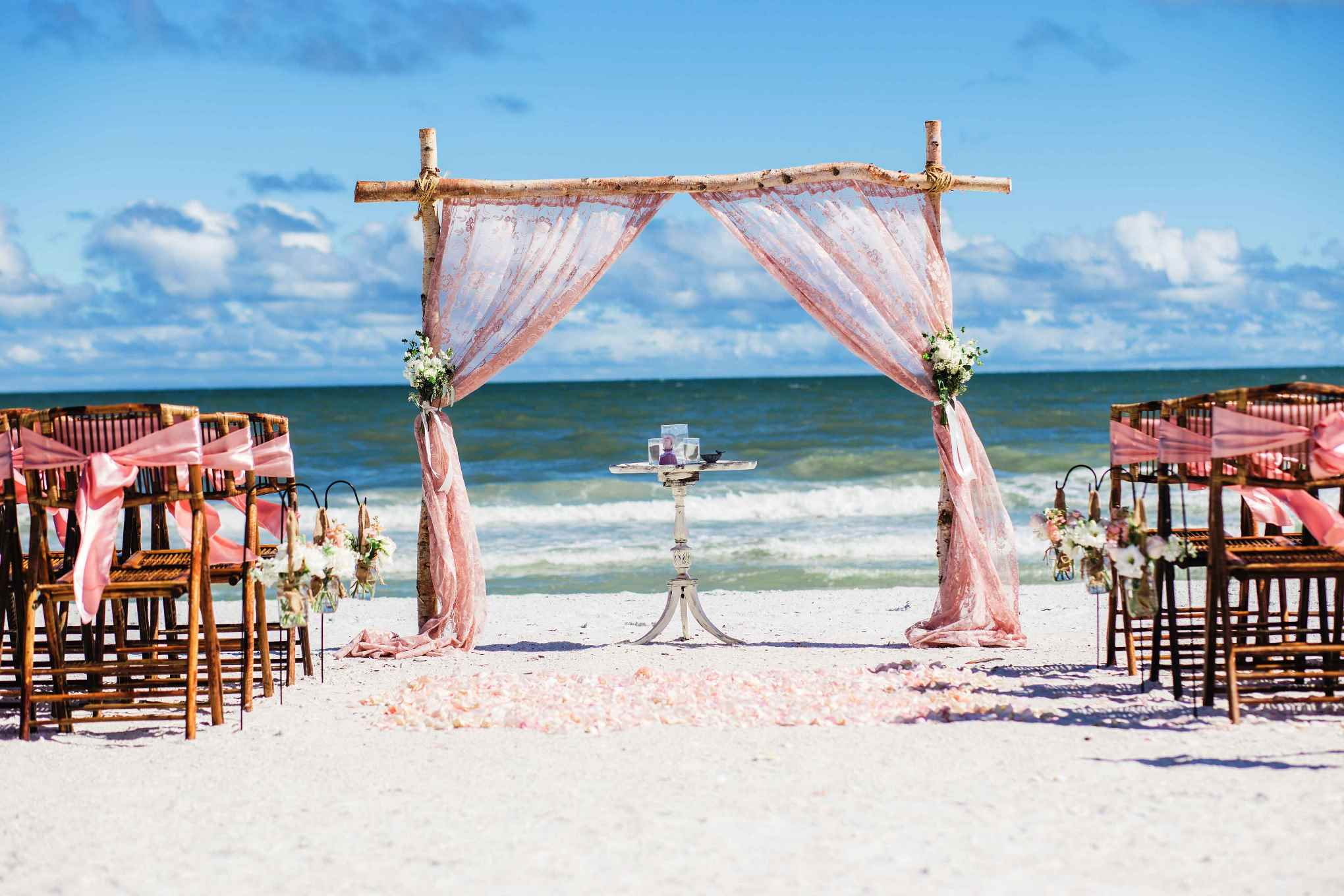 Important Tips for Beach Weddings